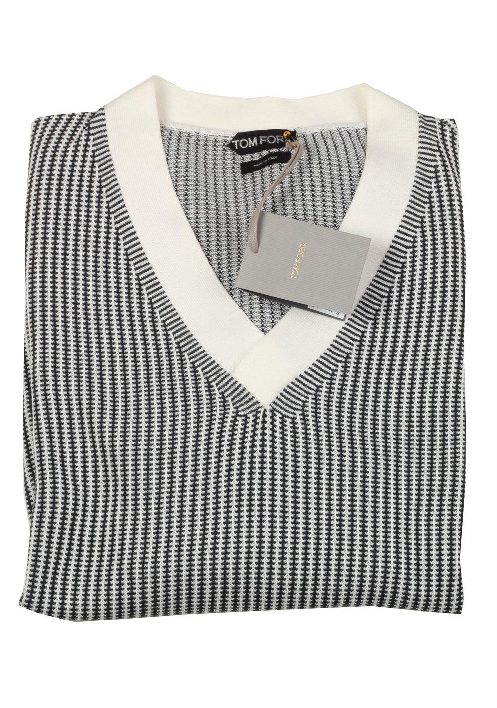 tom ford black white v neck pullover sweater size 54 44r. Black Bedroom Furniture Sets. Home Design Ideas