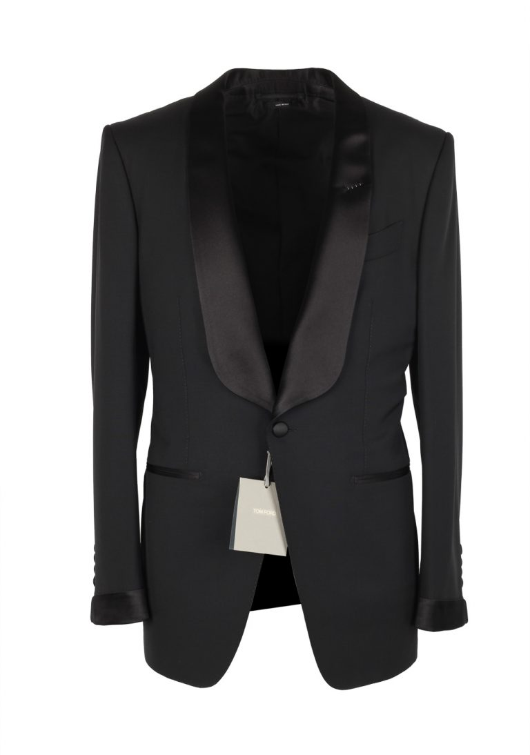 TOM FORD O'Connor Black Shawl Collar Tuxedo Smoking Suit Size 48 / 38R U.S. Fit Y - thumbnail | Costume Limité
