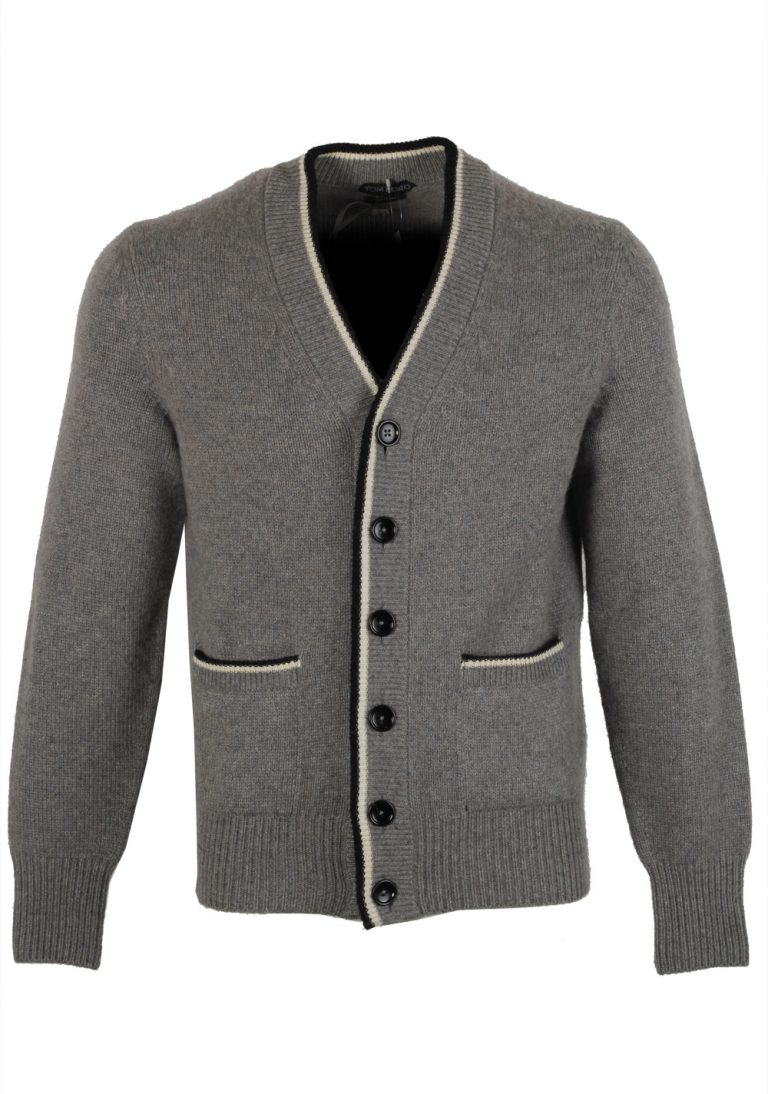 TOM FORD Gray Button Cardigan Size 48 / 38R U.S. In Wool - thumbnail | Costume Limité