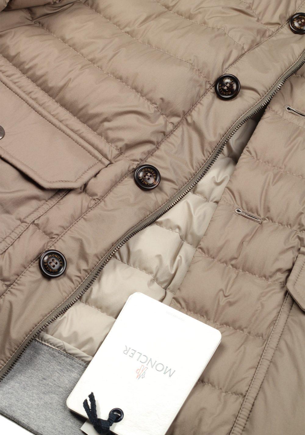 Moncler Beige Chaberton Coat Size 3 / M / 50 / 40 U.S. | Costume Limité