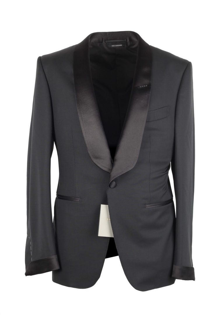 TOM FORD O'Connor Black Shawl Collar Tuxedo Smoking Suit Size 52C / 42S U.S. Fit Y - thumbnail | Costume Limité