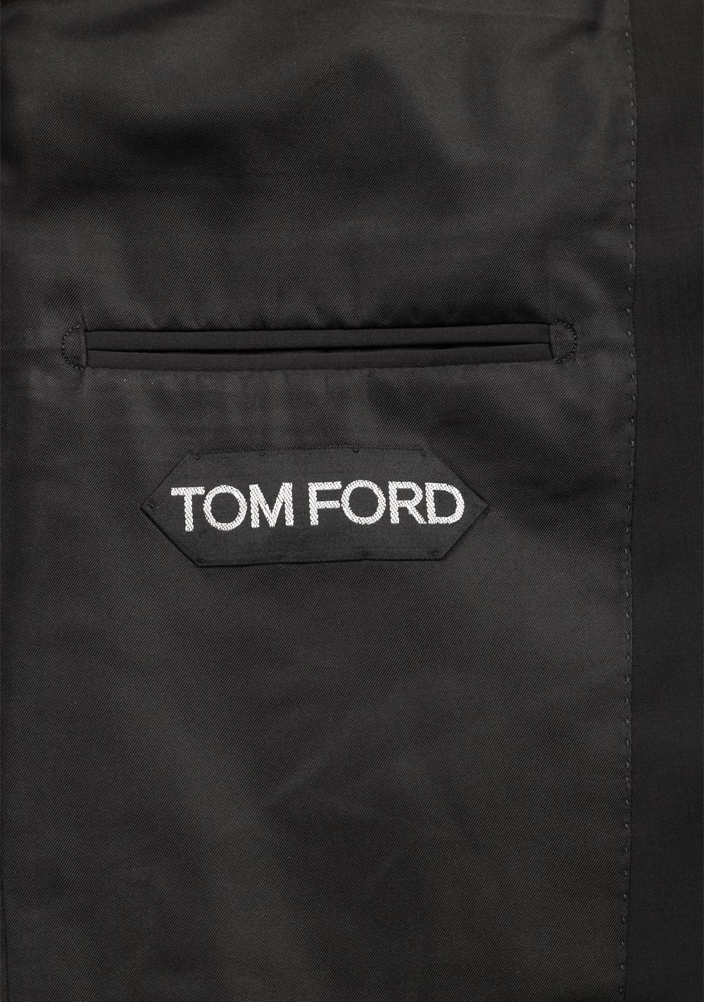 TOM FORD Shelton Black Suit Size 48 / 38R U.S. In Wool Blend | Costume Limité