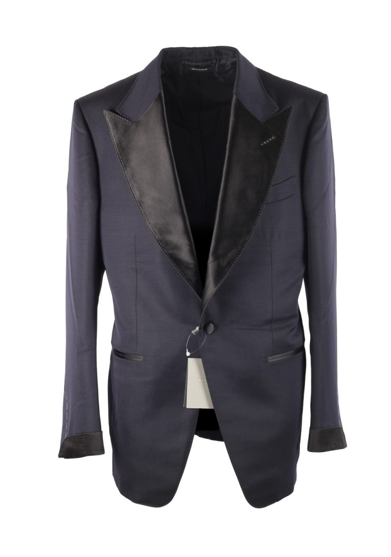 TOM FORD Atticus Midnight Blue Tuxedo Smoking Suit Size 52 / 42R U.S. - thumbnail | Costume Limité
