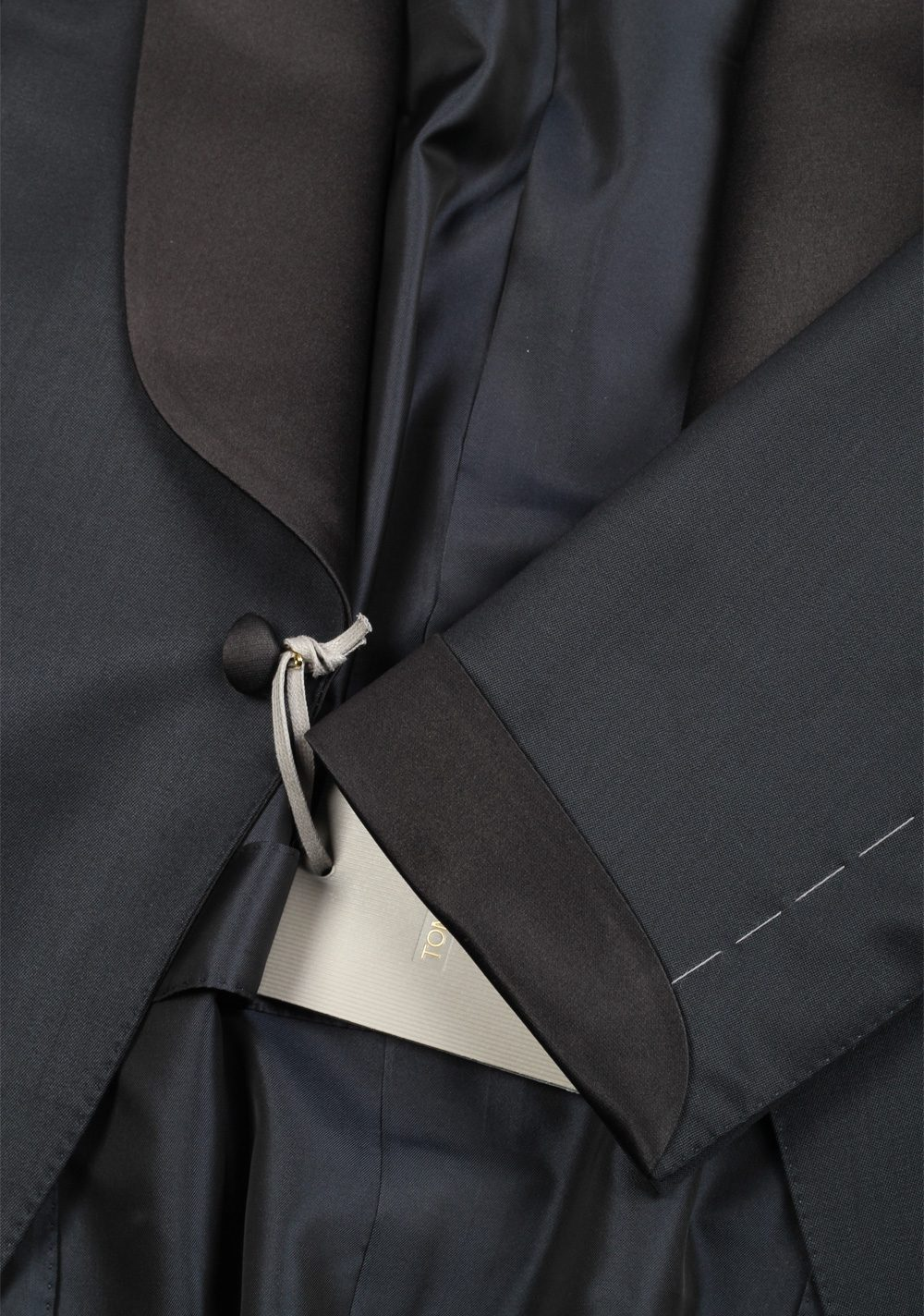 TOM FORD O'Connor Blue Shawl Collar Tuxedo Suit Size 50 / 40R U.S.  Fit Y | Costume Limité