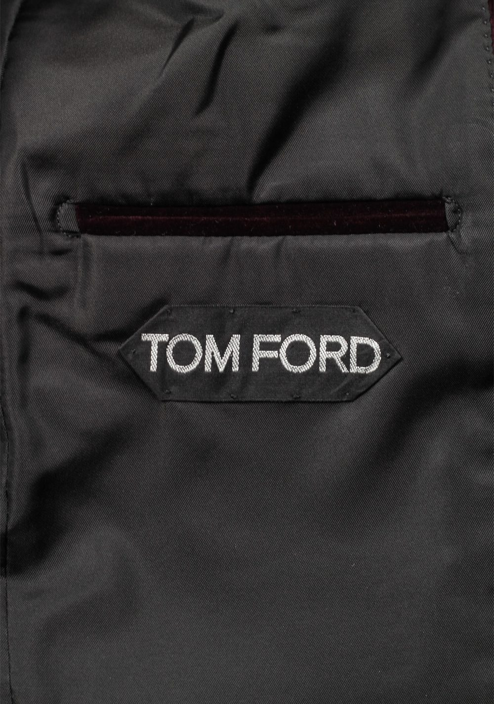 TOM FORD Shelton Aubergine Velvet Sport Coat Size 50 / 40R U.S. | Costume Limité