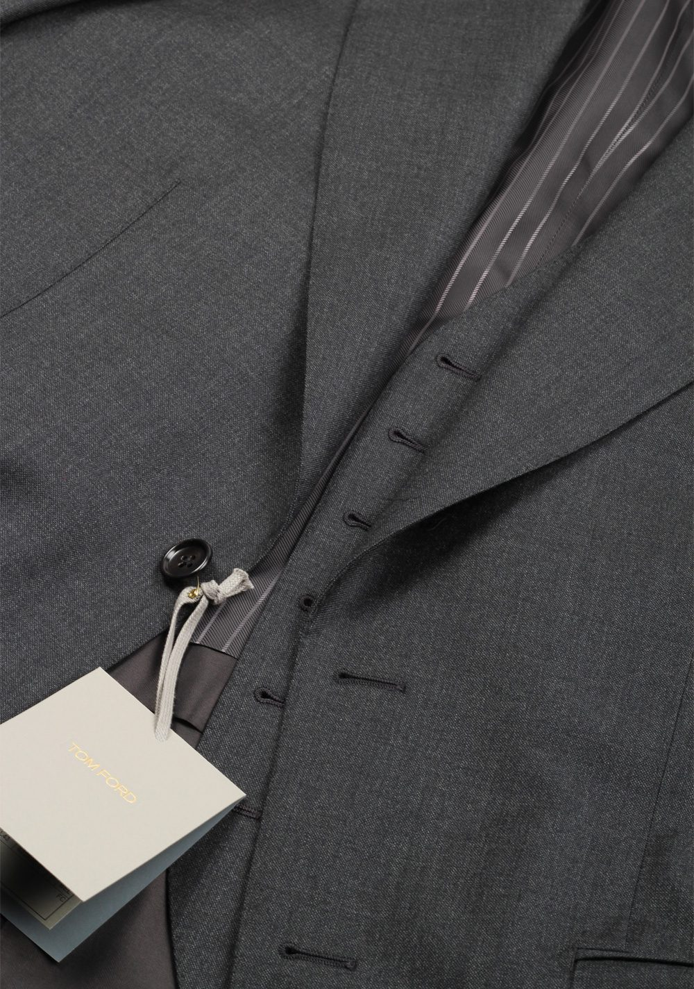 TOM FORD Windsor Gray 3 Piece Suit Size 56 / 46R U.S. Wool Fit A | Costume Limité