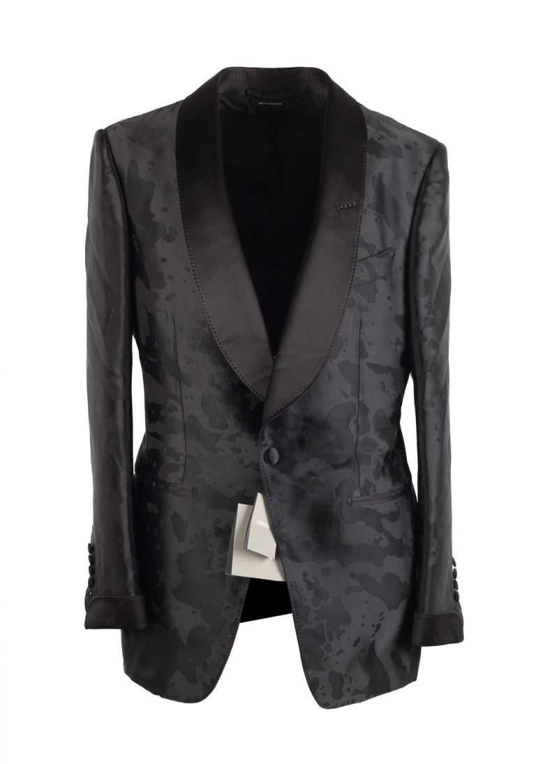TOM FORD Atticus Black Tuxedo Cocktail Dinner Jacket Size 48 / 38R U.S. - thumbnail | Costume Limité