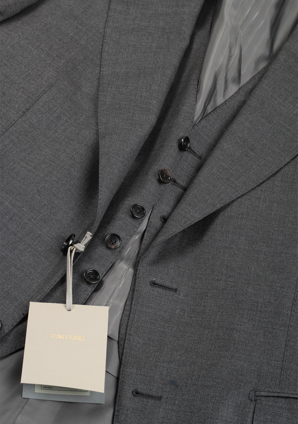 TOM FORD Windsor Gray 3 Piece Suit Size 50 / 40R U.S. Wool Fit A | Costume Limité