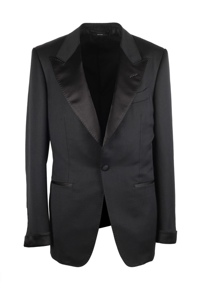 TOM FORD Shelton Black Tuxedo Dinner Suit Size 60 / 50R U.S. - thumbnail | Costume Limité