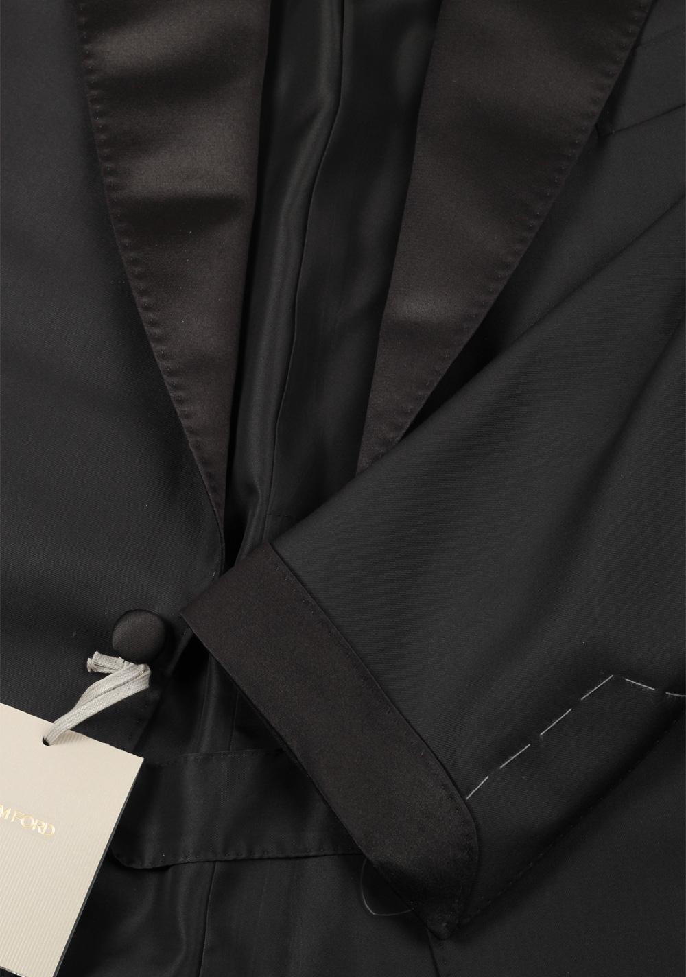 TOM FORD Shelton Black Tuxedo Dinner Suit Size 60 / 50R U.S. | Costume Limité