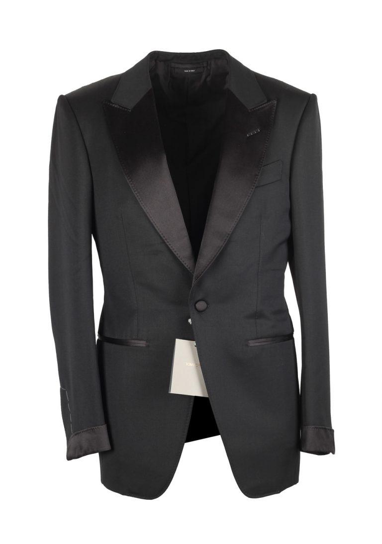 TOM FORD Atticus Black Tuxedo Smoking Suit Size 44C / 34S U.S. - thumbnail | Costume Limité